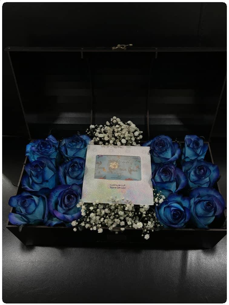 خرید باکس گل رز آبی
